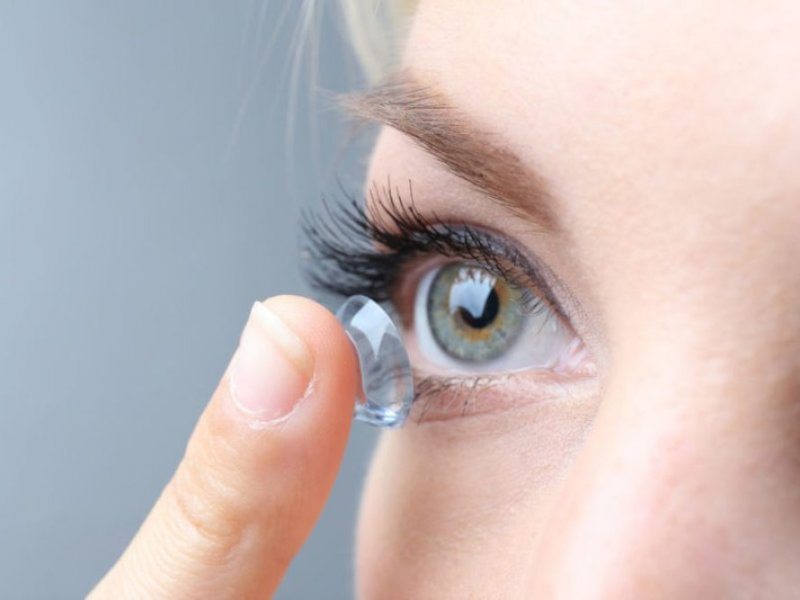 Установка глазной линзы